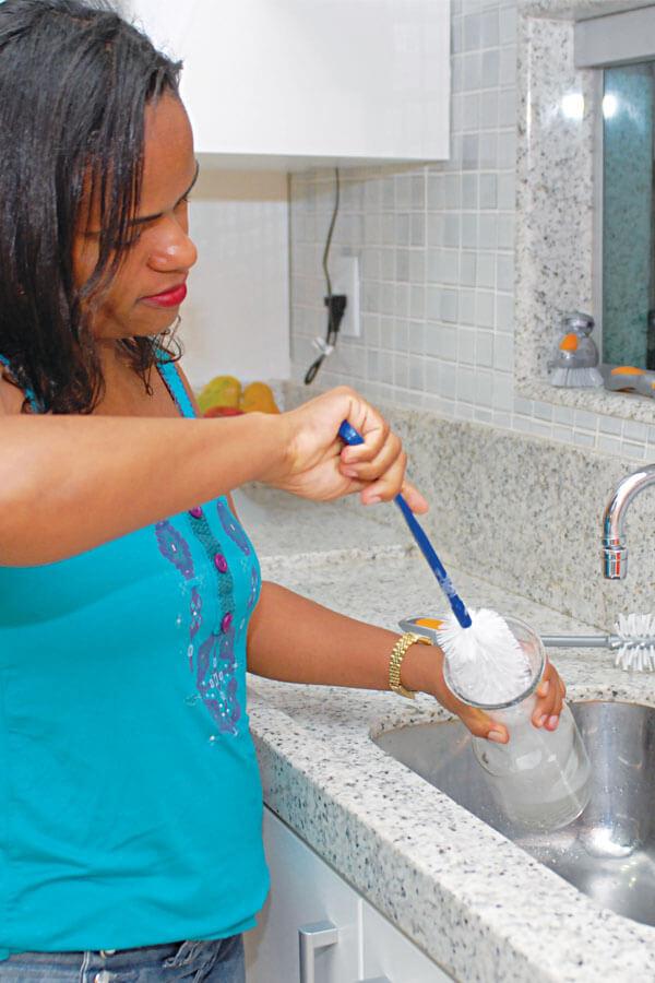 Escova P/Lavar Garrafas Cód.508